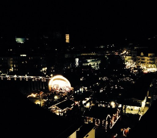 Dorint Maison Messmer: view on the Xmas market from room 549