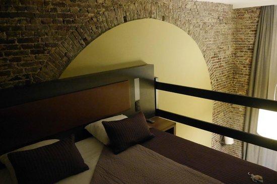 de mezzanine slaapkamer - Foto van Het Godshuis, Sint-Laureins ...