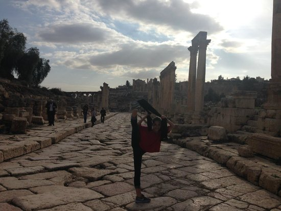The Roman Army and Chariot Experience: Roman street in Jerash