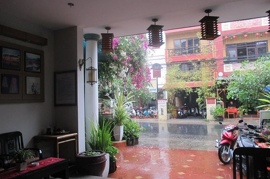 Vinh Hung Library Hotel: the lobby
