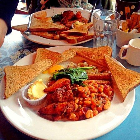 Fuel: Vegan breakfast (with added egg!)