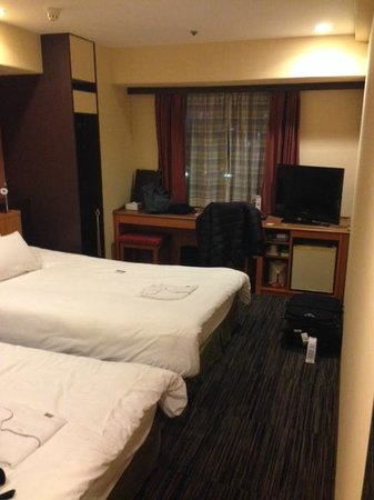 Nagoya B's hotel : Twin Bedroom with two large twin beds!