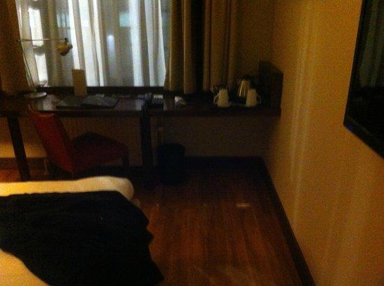 Hilton Brussels City : camera scrivania