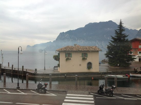 Hotel Lago di Garda : the wonderful view from our room