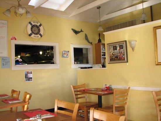 Nate's at Front Beach: Clean and nicly decorated