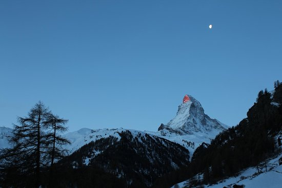 Suitenhotel Zurbriggen: What a view to wake up to each morning!