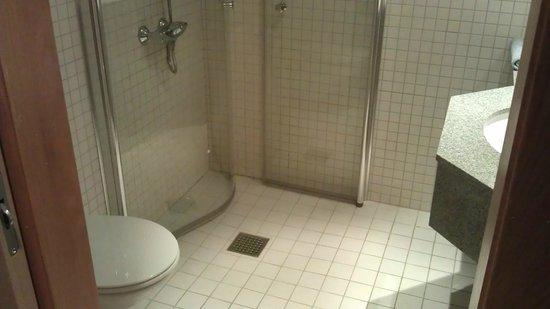Clarion Hotel Tyholmen: Bathroom