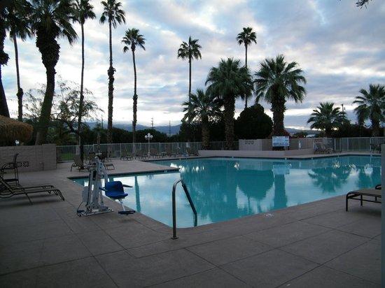BEST WESTERN Date Tree Hotel: pool