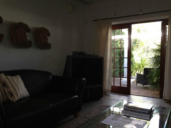 Villa Exner : Relaxing area with sofas and TV