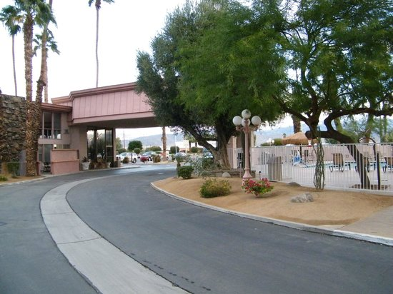 BEST WESTERN Date Tree Hotel: entrance