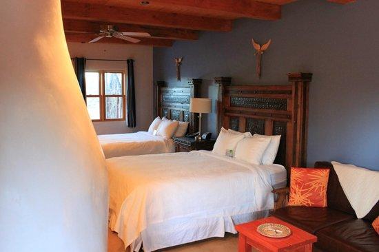 Abiquiu Inn: Room view again