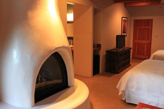 Abiquiu Inn: Inside of room