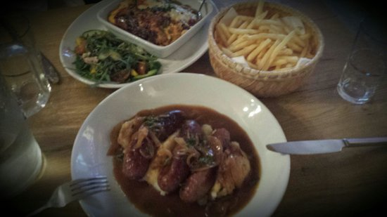 Willow's: Sausage and Mash, Lasagne and french fries.