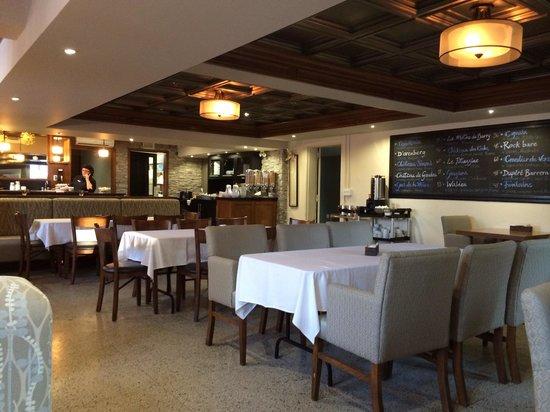 Hotel Montfort Nicolet: Dejeuner