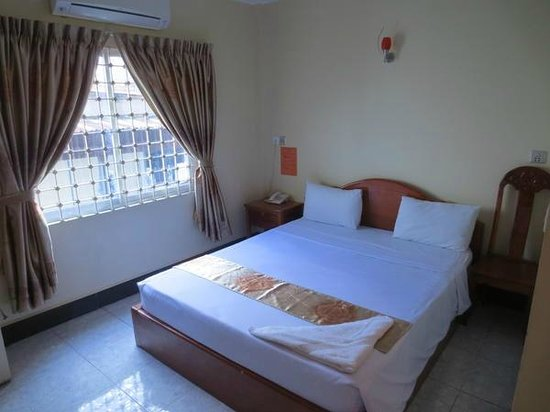 New Castle Guest House: Bed