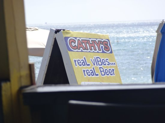 Cathy's Ocean View Bar and Grill: Cathy's on the Beach