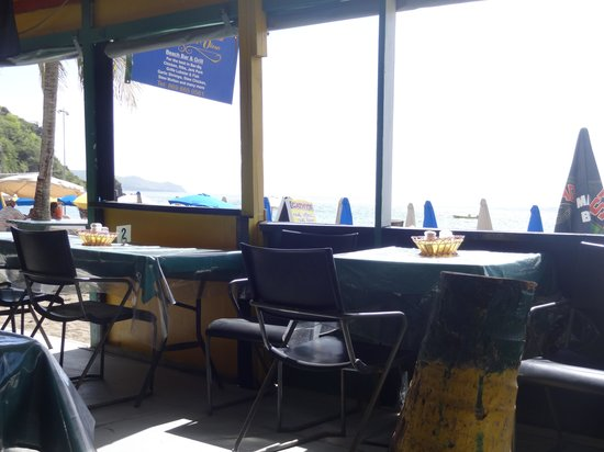 Cathy's Ocean View Bar and Grill : Cathy's open air shack