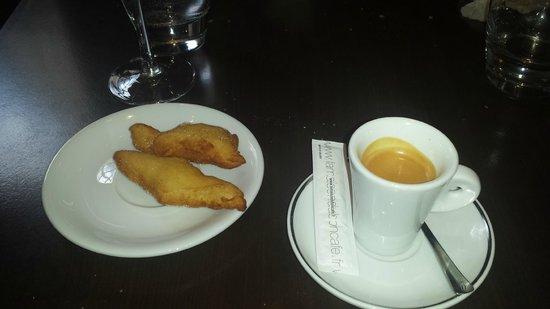 Bistrot À Côté : café.