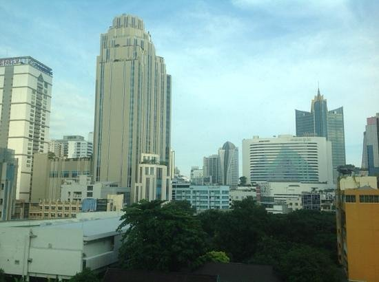 Adelphi Suites Bangkok: lovely views from window