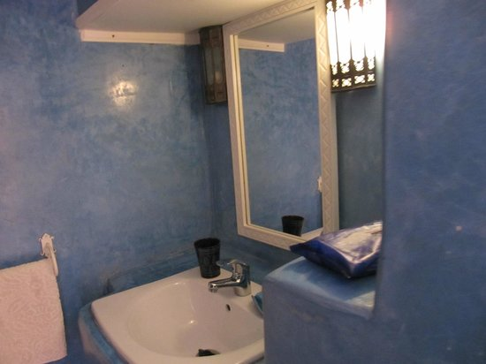 Riad Chems Bleu : our bathroom