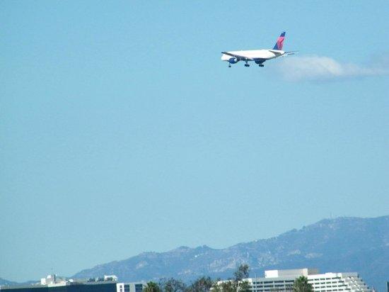 La Quinta Inn & Suites Inglewood: LAX view