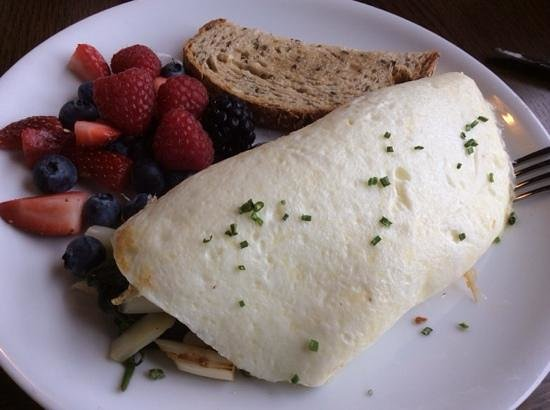 W Atlanta - Buckhead: Egg white omlette with asperagus, goat cheese and spinach