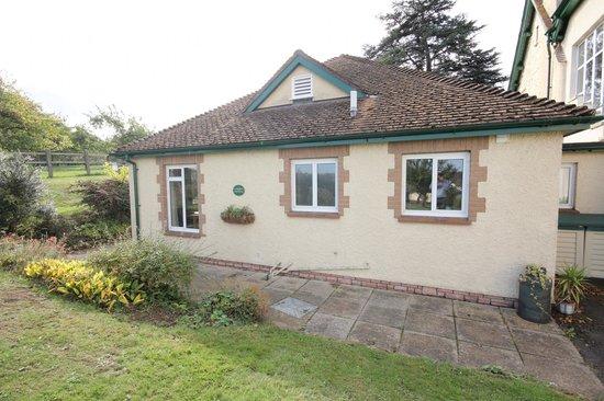 Cedar House: The Bramleys (self catering cottage)