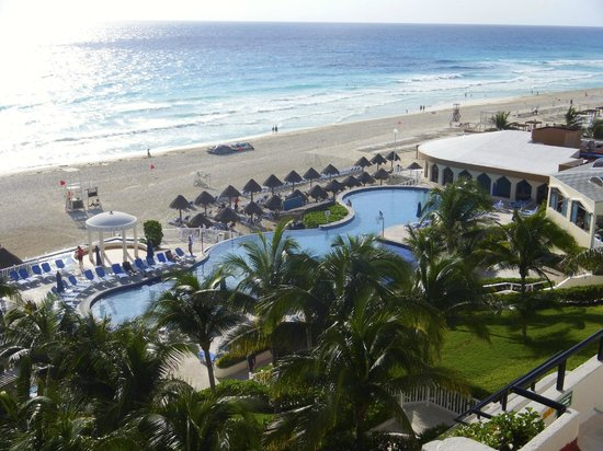 Golden Parnassus All Inclusive Resort & Spa Cancun: Morning View off our balcony #504