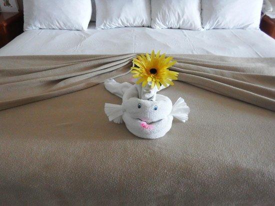 Golden Parnassus All Inclusive Resort & Spa Cancun: Towel Origami Fish