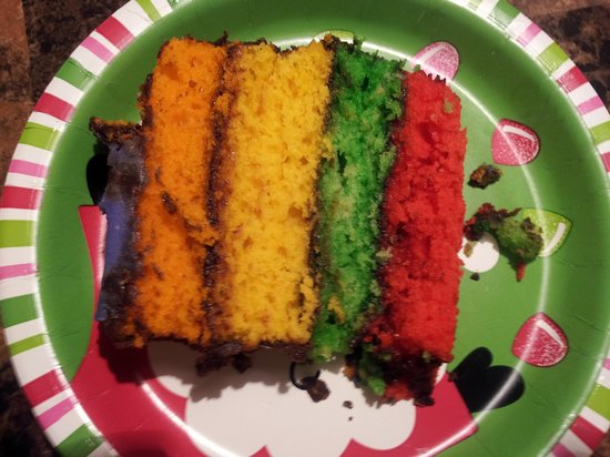 Snickerdoodles Bakery & Coffee House: rainbow cake