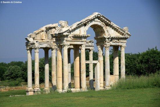 Aphrodisias: Afrodisia - Tetrapilo