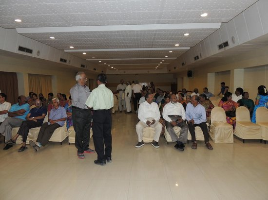 Fortune Pandiyan Hotel : Our meet in another hall on 28th evening
