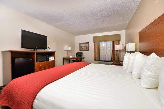 """Best Western Statesville Inn: KING ROOM WITH 37"""" LCD TV"""