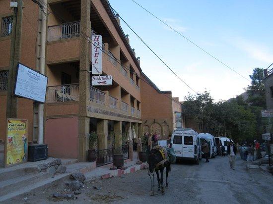 Hotel Etoil Du Toubkal : Busy street!