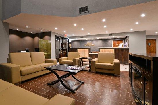 Best Western Statesville Inn: LOBBY - FRONT DESK