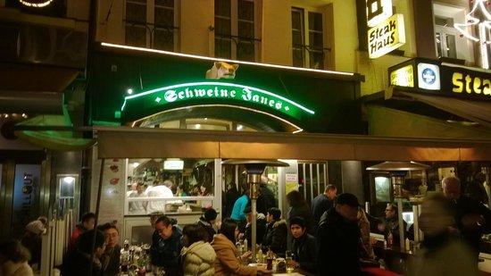 Schweine Janes: Street view