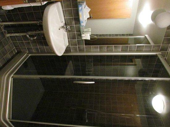 Hotel Fron : douche