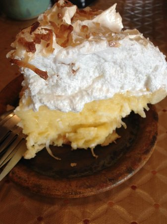 The Pottery House Cafe and Grille: Coconut Pie
