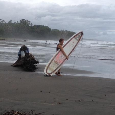 El Encanto Inn: surf dalla spiaggia nera