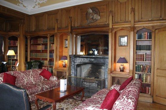 Dalhousie Castle: library