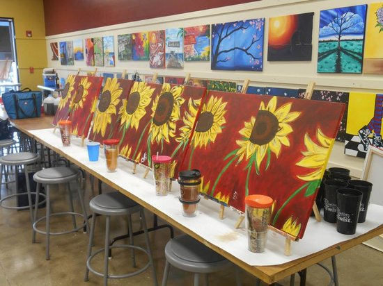 Painting With a Twist : Garden