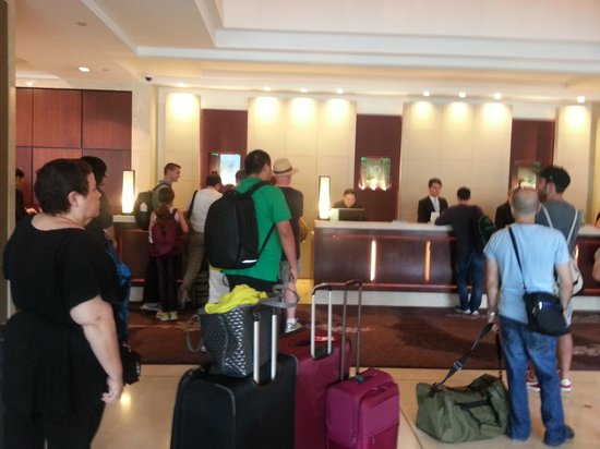 Shangri-La Hotel Sydney: This is how check in looks like in a 5star hotel