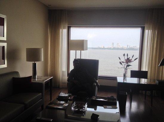 The Oberoi, Mumbai: sitting area