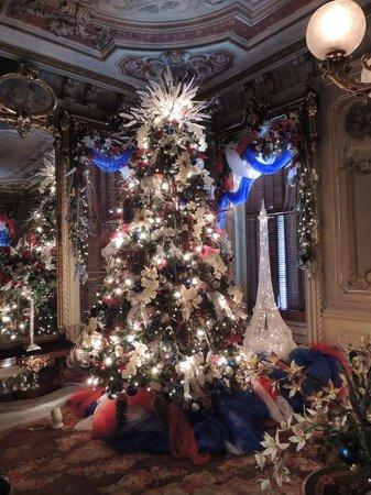 Victoria Mansion Living Room