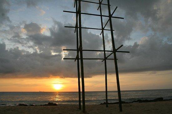 Narima Bungalow Resort : Beach