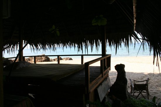 Narima Bungalow Resort: View from massage bungalow at the beach