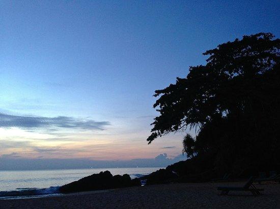 Narima Bungalow Resort : View from beach