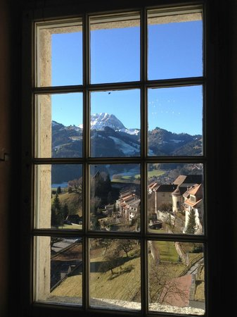 Hotel de Gruyères Wellness & Seminaires : Vista de dentro do Castelo