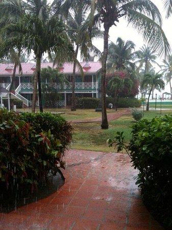 Pineapple Beach Club Antigua: Rainy day