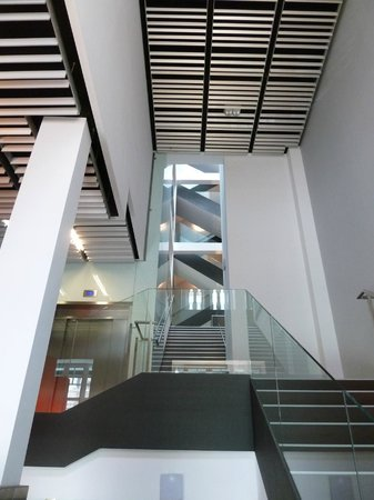 Sercotel Coliseo: Treppenhaus mit Stil